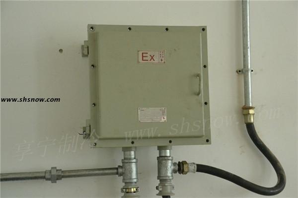 冷风机化霜改用四通换向阀热氟冲霜系统,避免电热化霜产生爆炸的风险.图片